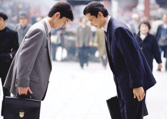 Các kiểu cúi chào trong nghệ thuật giao tiếp Nhật Bản